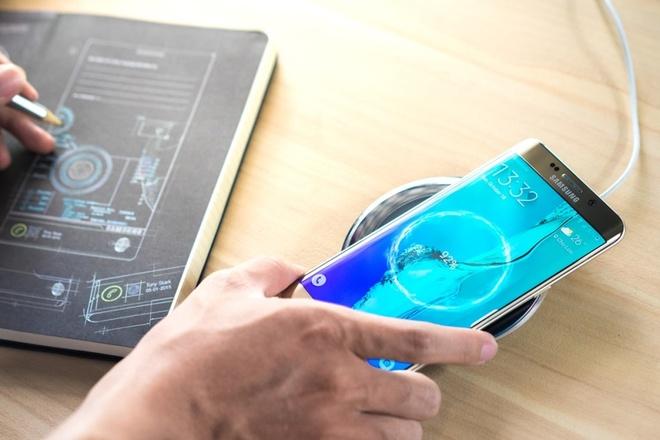 5 yeu to giup Galaxy S6 edge+ duoc long nguoi dung tre hinh anh 4 Tính năng sạc nhanh là một trong những ưu điểm rất thực tế trên Galaxy S6 edge+.