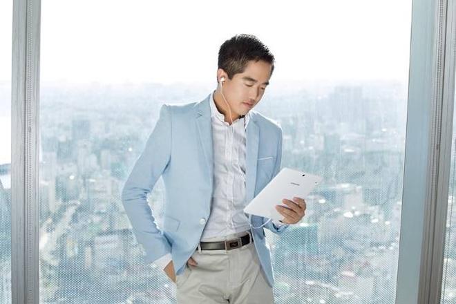 Edward Thai: Nguoi uom mam cho nhung du an khoi nghiep tre hinh anh 1 Năm 2015, Edward được tạp chí Forbes Việt Nam bình chọn là một trong 30 gương mặt dưới 30 tuổi nổi bật.