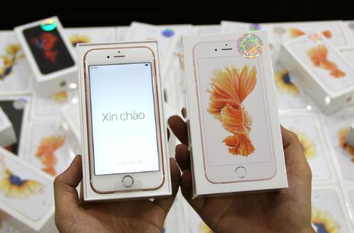 iPhone 6S chinh hang ra mat, iPhone doi cu giam gia hinh anh 1
