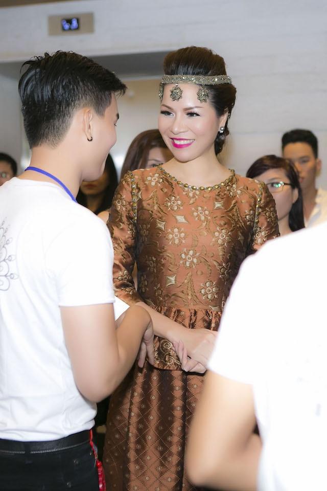 Dan sao Viet hoi tu tai 'LYNK fashion show' hinh anh 3