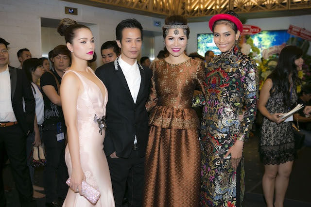 Dan sao Viet hoi tu tai 'LYNK fashion show' hinh anh 8