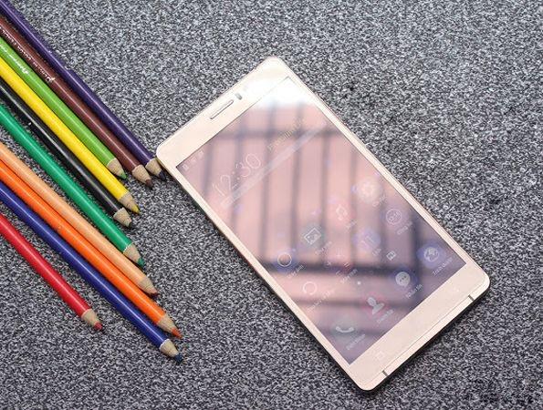 Arbutus AR6 Plus: Smartphone gia re man hinh 6 inch hinh anh