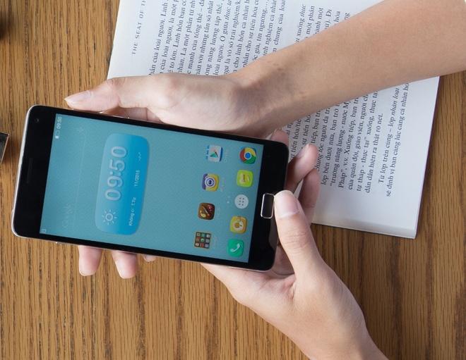 Bo doi smartphone VIBE cau hinh tot, pin ben bi cua Lenovo hinh anh
