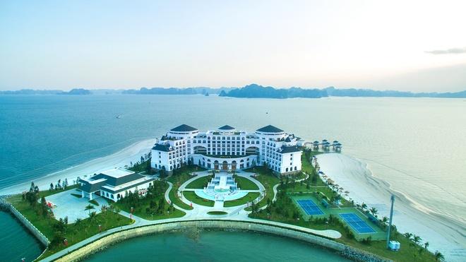Ve trang le cua khu nghi duong Vinpearl Ha Long Bay Resort hinh anh 2