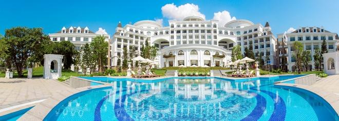 Ve trang le cua khu nghi duong Vinpearl Ha Long Bay Resort hinh anh 3