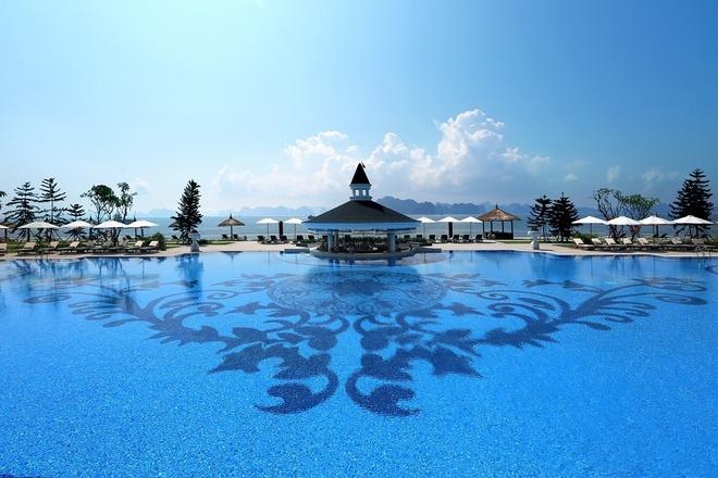 Ve trang le cua khu nghi duong Vinpearl Ha Long Bay Resort hinh anh 5