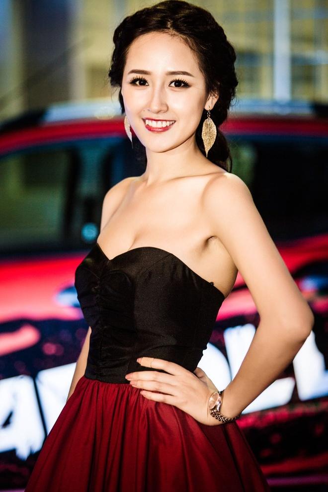 Phong cach thoi trang du tiec quyen ru cua Mai Phuong Thuy hinh anh 5