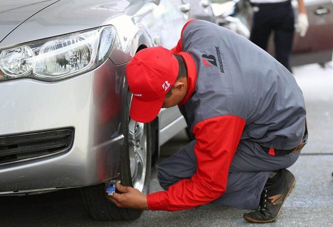 Ngay hoi 'Car Care Day 2015' hut khach tham du hinh anh