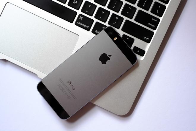 iPhone 5/5S, iPhone 6 ha gia gan 2 trieu dong hut khach hinh anh 2