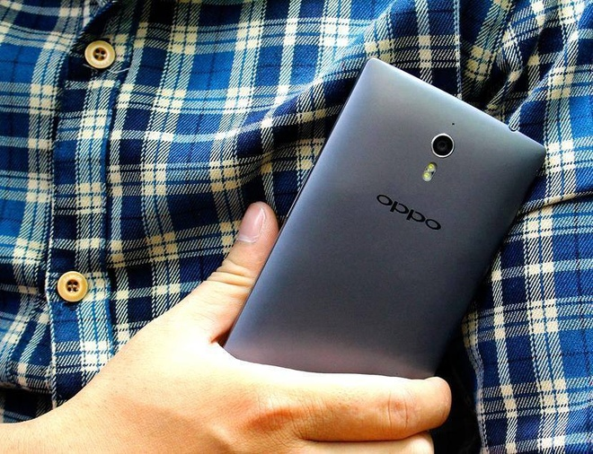 OPPO Find 7A giam gia 50% con 5 trieu dong hut khach hinh anh 1