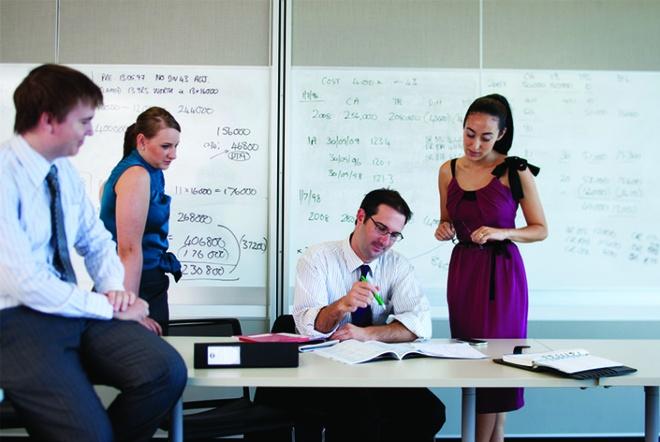 Dai hoc Curtin (Australia) to chuc hoi thao MBA Global hinh anh