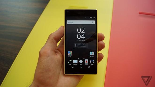 Sony Xperia Z5 Compact ra mat phien ban mau vang va hong hinh anh 2