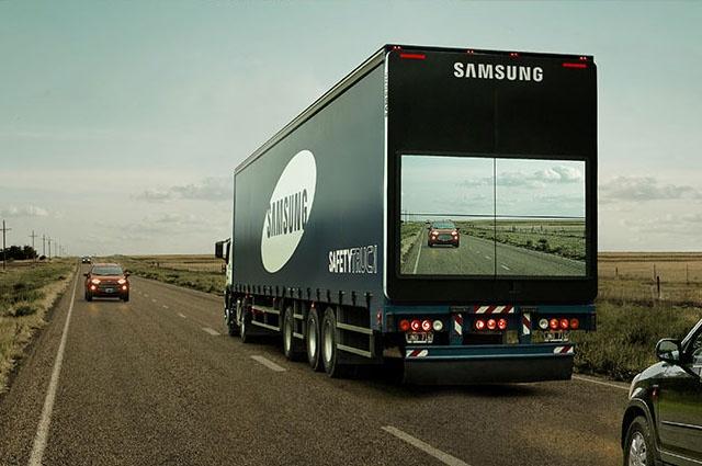 """Nhung cong nghe giup mo rong tam nhin hinh anh 3 Nhờ thiết bị Safety Truck, những chiếc xe tải hay xe buýt to lớn trở nên """"trong suốt""""."""
