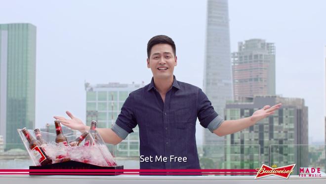 MC Phan Anh, một gương mặt quen thuộc tại các festival đình đám EDM, đóng vai trò host chính của chương trình.