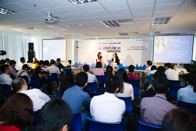 'Co tam nhin se vuot qua kho khan trong kinh doanh' hinh anh 3 Ban tổ chức Venture Cup 2015 thường xuyên mời các doanh nhân đến chia sẻ để thí sinh lấy thêm kinh nghiệm.