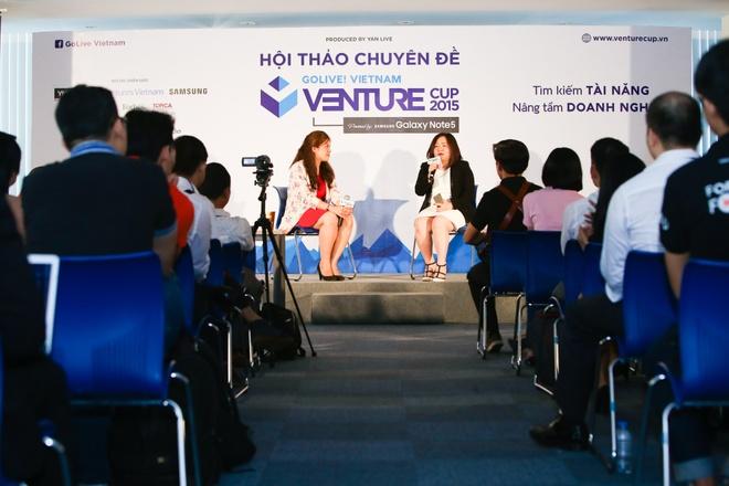 'Co tam nhin se vuot qua kho khan trong kinh doanh' hinh anh 2  Các thí sinh của cuộc thi Venture Cup 2015 do Samsung Galaxy Note5 tài trợ giao lưu với bà Lê Thị Quyền Trang.