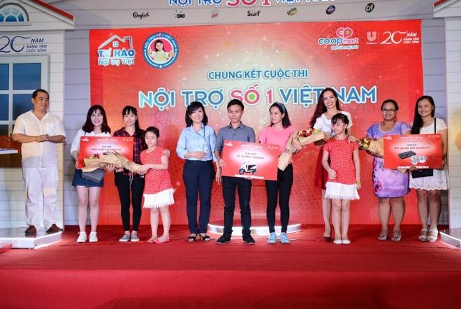 Nhac sy Minh Khang: Tu hao ve nang 'noi tuong' Thuy Hanh hinh anh 2