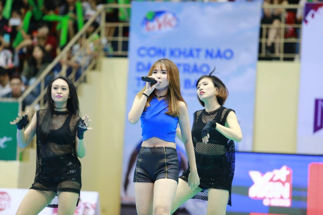 Khoi My chay het minh cung 2.000 sinh vien tai UniGames 2015 hinh anh