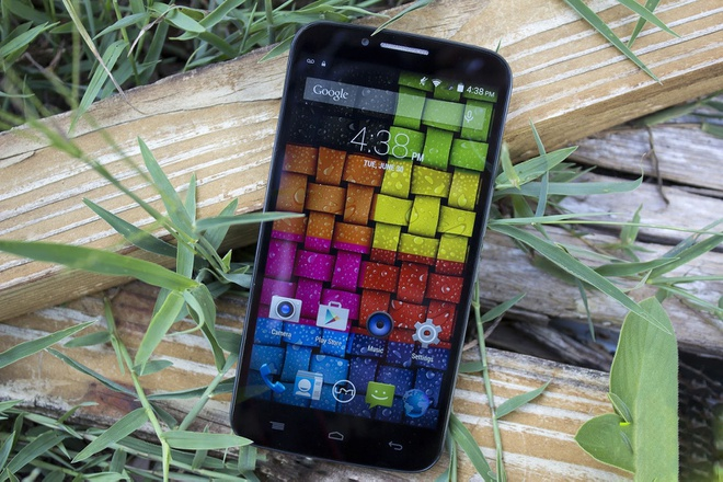 Emax - smartphone dung luong pin lon, cau hinh tot hinh anh 2