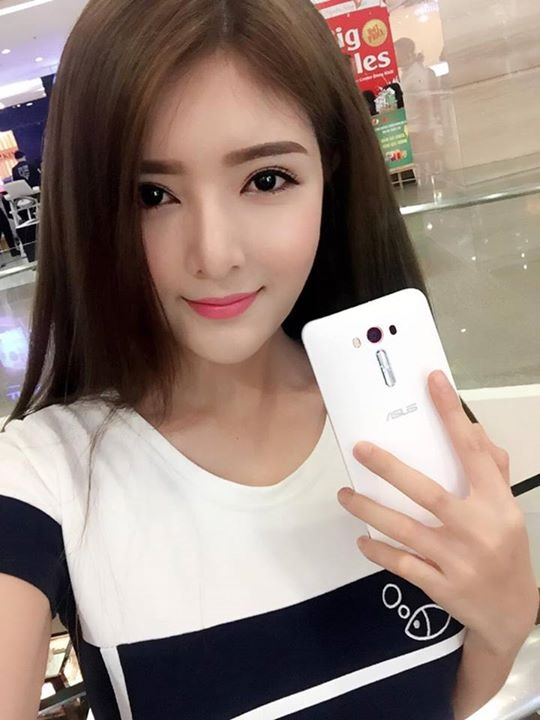 Lily Luta, Linh Le dong loat khoe ZenFone Laser moi sam hinh anh 1