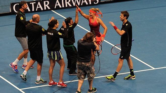 Roger Federer gay chu y khi tham du giai quan vot Ngoai hang hinh anh 2