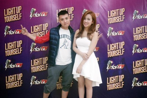 Trang Moon va Tuan Saker an y khi tham du game show hinh anh 1 DJ Trang Moon và Tuấn Saker là 2 khách mời của số Giao lưu khách mời đầu tiên trên IdolTV.vn.