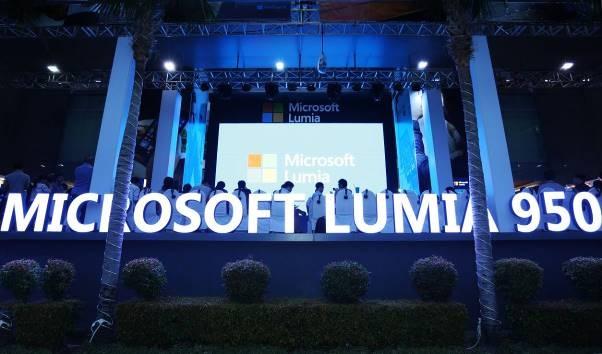Trai nghiem tinh nang Continuum ket noi Lumia 950 hinh anh 1