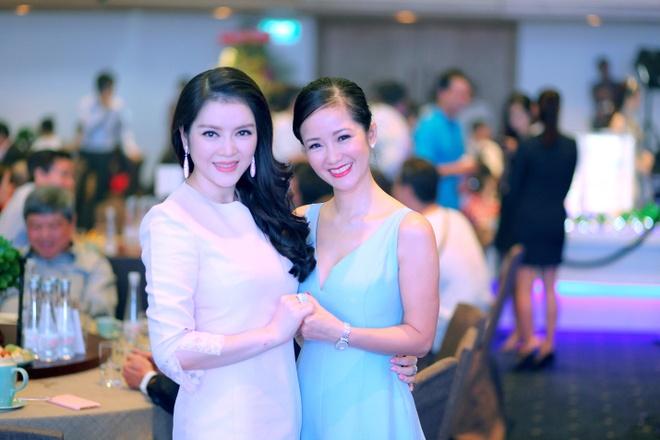 Hong Nhung, Ly Nha Ky do ve sang trong khi du su kien hinh anh