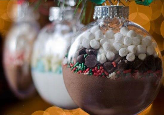 Goi y qua tang Giang sinh handmade cho nguoi ay hinh anh 3 Những quả cầu chocolate khiến Giáng sinh của bạn thêm ngọt ngào.