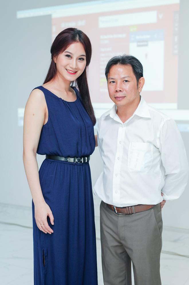 Nha khoa Dai Nam khai truong chi nhanh thu 10 tai TP HCM hinh anh 7 Phi Ngọc Ánh đảm nhận vai trò MC của sự kiện khai trương nha khoa Đại Nam.