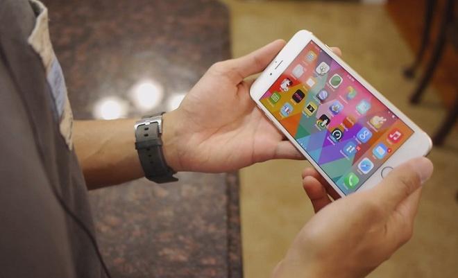 'Doi toi thay doi khi dung iPhone' hinh anh