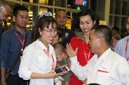 CEO Vietjet - Nguoi phu nu co ban tay sat boc nhung hinh anh 3
