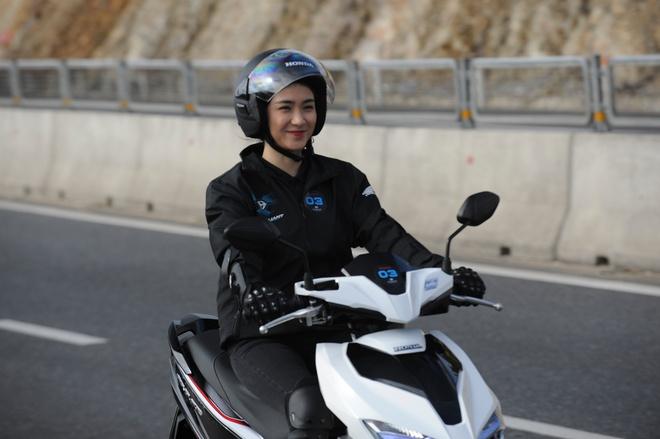 Honda Air Blade moi: Chay 100 km het 1,5 lit xang hinh anh