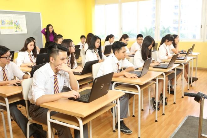 Hoc tap hon hop: Cong nghe khong dem lai dieu ky dieu hinh anh 1 Một giờ học hỗn hợp các nhóm tại trường PTLC Olympia, Hà Nội.