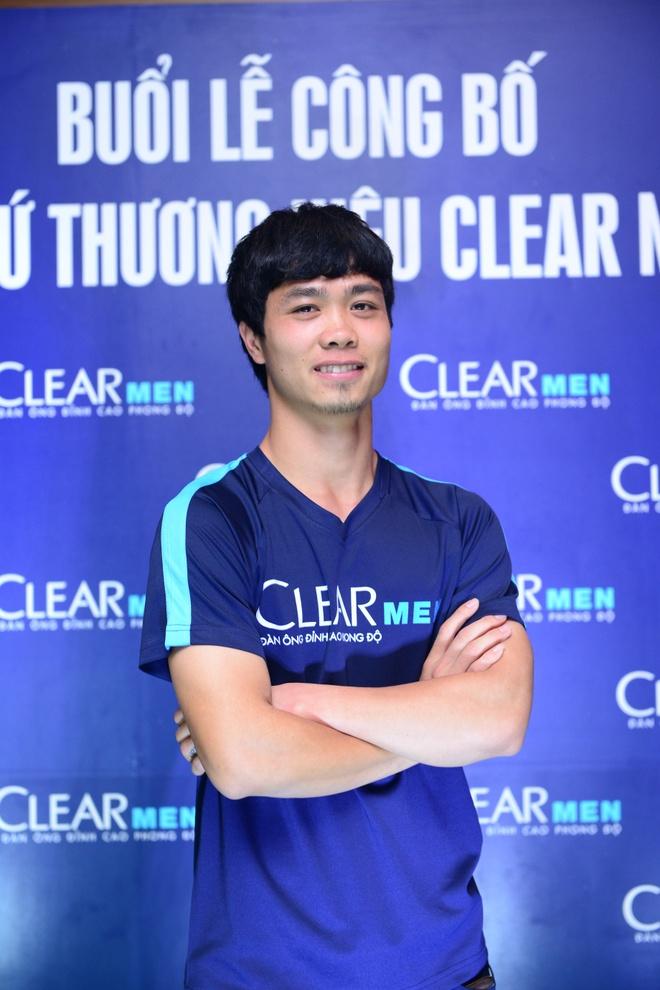Cong Phuong: Tu ngoi sao san co den dai su thuong hieu hinh anh 3