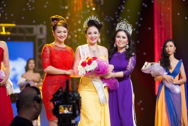 Cac nguoi dep dang quang HH Phu nu nguoi Viet The gioi 2016 hinh anh 2