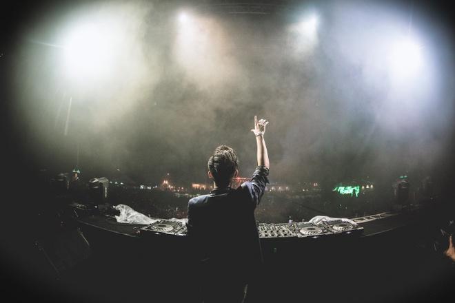 DJ Hoang Anh va SlimV: Khong co rao can trong am nhac hinh anh 2