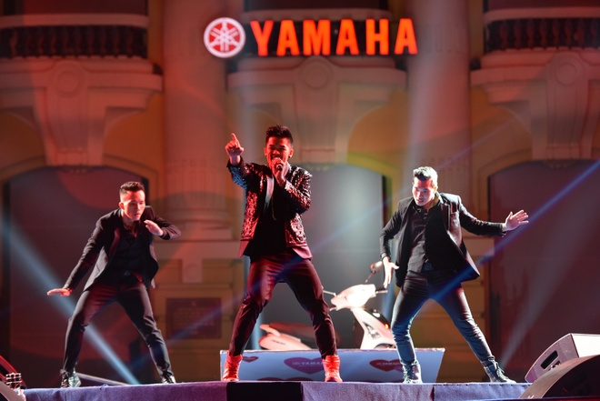 Toc Tien chay het minh trong Yamaha Clearmen Countdown 2016 hinh anh 10