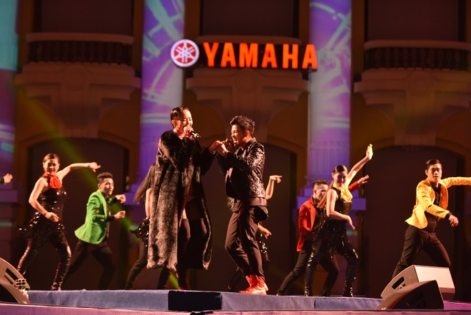 Toc Tien chay het minh trong Yamaha Clearmen Countdown 2016 hinh anh 4