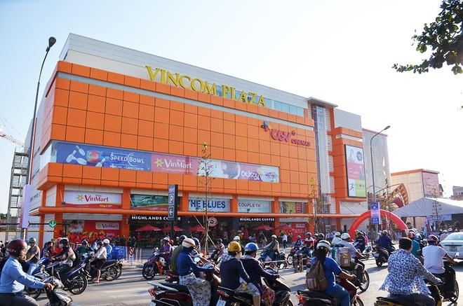 Khai truong Vincom Plaza Go Vap tai TP HCM hinh anh 4