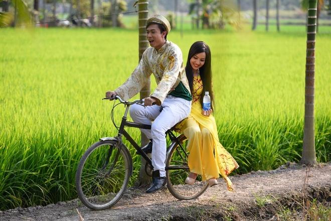 Ho Viet Trung hoa chang re nhi nhanh trong MV Tet hinh anh 1