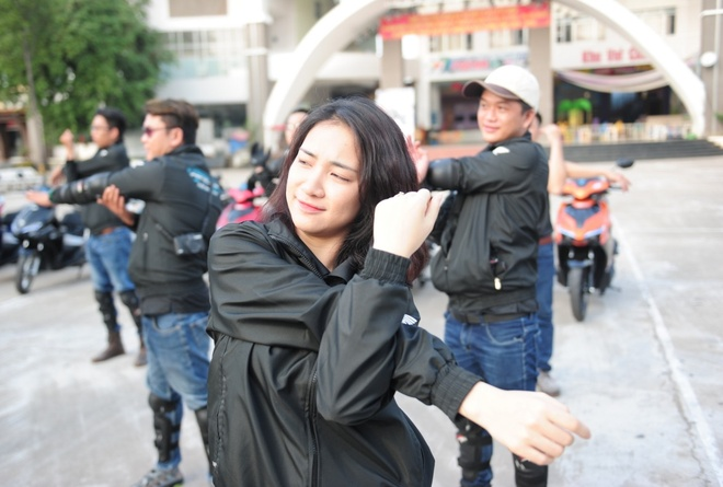 Gil Le va Hoa Minzy ke chuyen con gai di phuot hinh anh 4