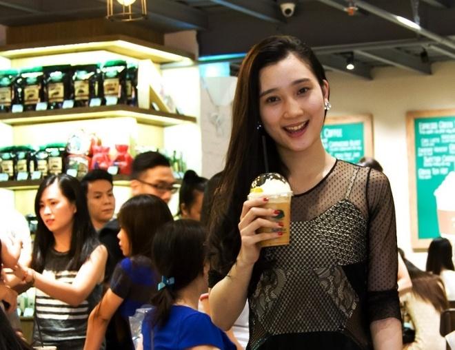 Thuong thuc phien ban tra dao da xay Phuc Long tai Sai Gon hinh anh 5