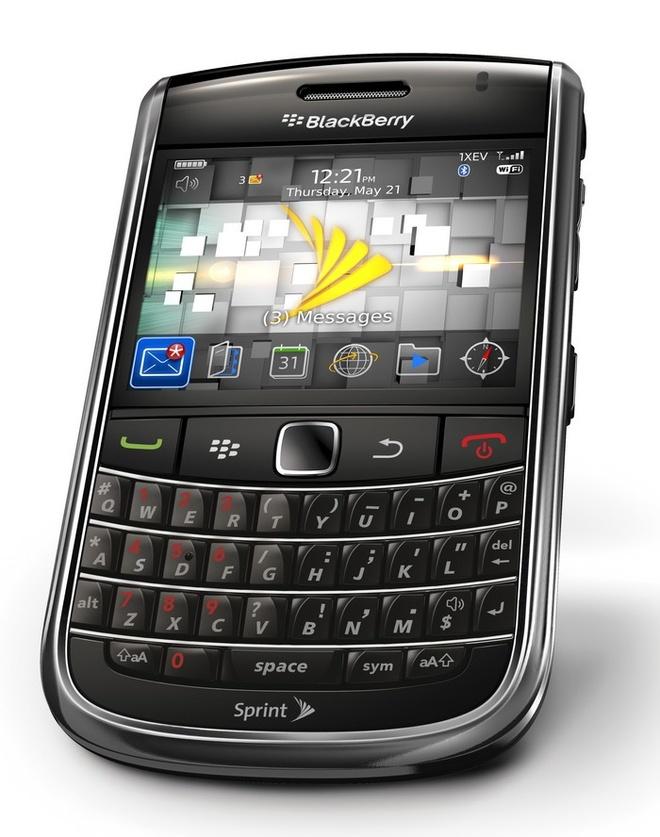 Blackberry 9650 xuat xu My gia 950.000 dong hut khach hinh anh 1