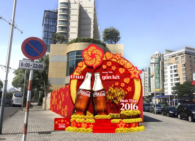 Coca-Cola to chuc chup hinh selfie gia dinh ngay Tet hinh anh