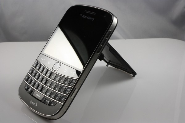 Co hoi mua Blackberry 9900/9930 voi gia 1,45 trieu dong hinh anh 5