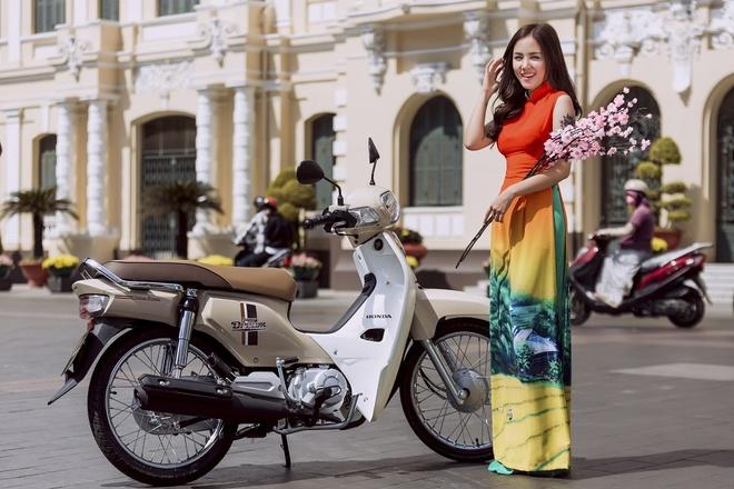 Bi quyet phoi trang phuc doc dao cua Phuong Ly hinh anh 9