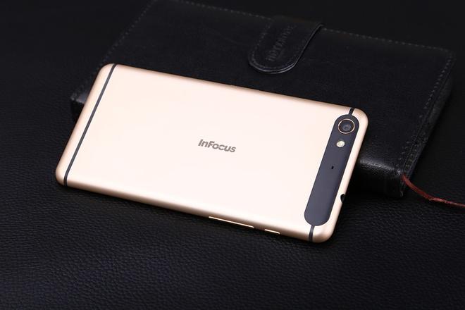 Nhung smartphone cau hinh manh, gia re dang mua thang 3 hinh anh