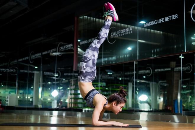 Phuong Trinh Jolie: Quay phim den 3h van day som tap yoga hinh anh