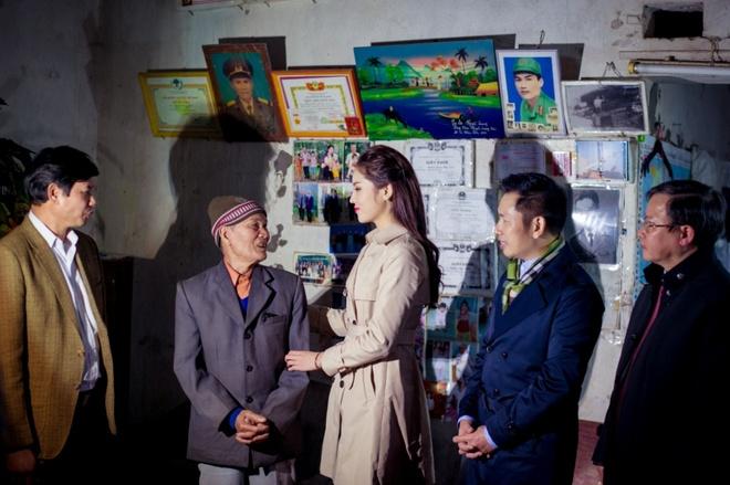 Hoa hau Ky Duyen cung Style TV tu thien cuoi nam hinh anh 1